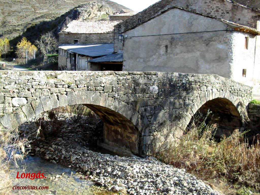 Puente medieval. (LONGAS)